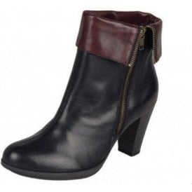 D0970-01 Black Leather Ankle Boot
