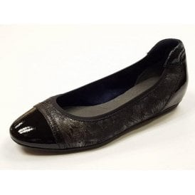 22101-29 Black Synthetic Print with Patent Toe Pump